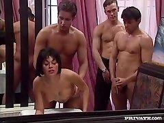 rita cardinale, sex in gasca si bukkake în restaurant