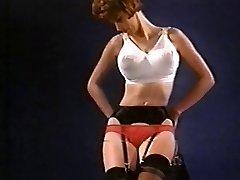 PLYTVAŤ svoj ČAS - vintage nylonové pančuchy, striptíz