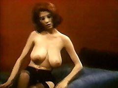 MRS ROBINSON - vintage nylons pantyhose striptease big boobs