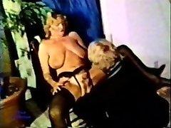 Peepshow Zank 105 70-ih in 80-ih letih - Scene 3