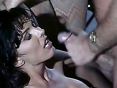 Anna Malle - Brown-haired fucked in the Club