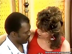 White retro pussy attacks dark-hued rod