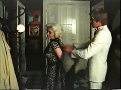 Blondi puuma on seksiä gigolo - vintage