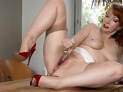 Milf In Bare Nylons Masturbate