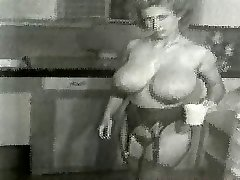 Virginia Bell - Iso Povekas, Keittiö Kotiäiti