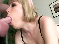 Busty blonde an sloppy jaws face fuck guzzle