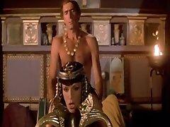 Eroottisia Unia Cleopatra (1985)