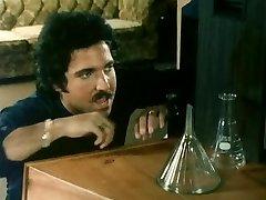 BLONDI NAAPURISSA (1982)