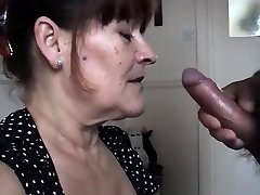 Mature wife takes a huge blowage cream pied