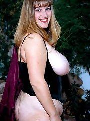 Sexy busty big butt blonde BBW in hot anal sex