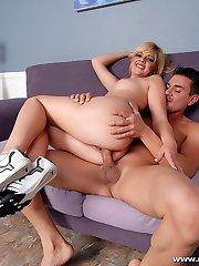 Cute girl Haley flaunts her big booty