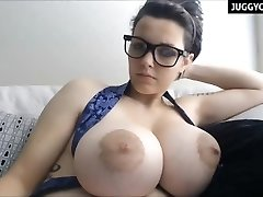 huge natural boobs live on webcam