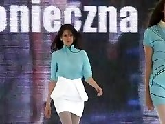 Boobs bouncing on catwalk model