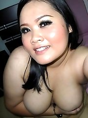 Amateur BBW selfshooting in the nude