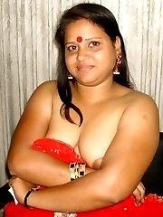 Naughty chunky girlfriend strips naked