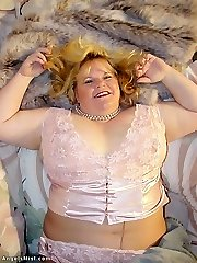 Blond mature Bbw in lace and pantyhose