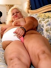giant mature blonde with her tight throbbing pussy