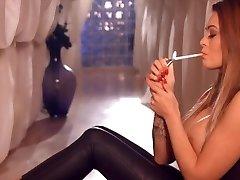 Hot Smoking Lady