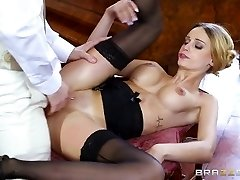 Brazzers - British babe Erica Fontes gets boinked