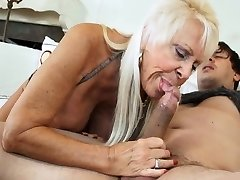 HOT GRANNIES Gargling DICKS COMPILATION 4