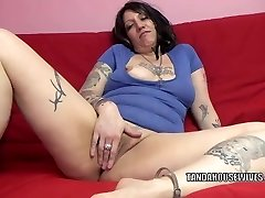 Inked plumper Lexxi Meyers is toying with her twat
