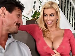 My husband hasn't screwed me in a yr! - Alexis Fawx