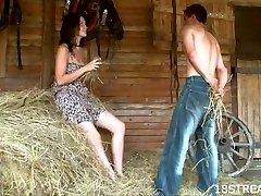 Amateur barn xxx display
