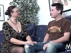MMV FILMS Casting a chubby Cougar