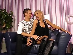 Sextape Germany - Amateur BBW German gets drilled in sizzling sextape lessons