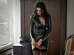 Fabulous mommy in latex Ania Kinski gets plowed properly