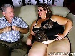 Super luxurious big beautiful woman enjoys a rigid fucking