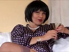 Sexy Softcore Queen Veronica teasing in nylons
