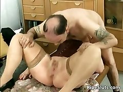 Divorced Bbw mom with big tits deep throats part1