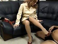 Yuuko puts soles in boots on phallus