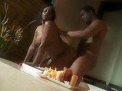 Plump ebony doll Jada Fire romantic sex scene in Jacuzzi