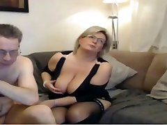Mature mommy have a webcam hump with big perfect tits