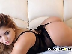Chubby Chick Nice Shave Pussy Fingering