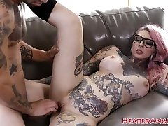 Tattooed emo slut gets her pussy drilled