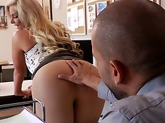 Big-titted blond nympho Phoenix Marie deep throats thick cock of brutal guy Karlo Karrera