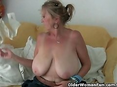 Granny with phat tits wanks in pantyhose