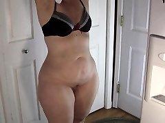 Home amateur ass smacking