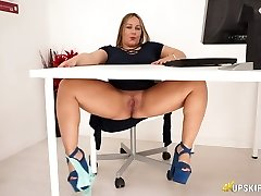 Lush English sex addict Ashley Rider rubs her huge pussy in the office