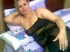 Arab Home Sex - Big Caboose Chubby Ass - Chubby Plumper Mature Booty