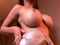MILF pussy screwing hard cock