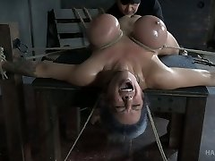 Hard tied huge-boobed babe Alyssa Lynn gets her cooter punished with vibrator