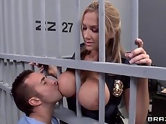 Alanah Rae ultra-kinky as fuck from this muscled prisoner