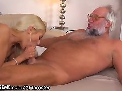 21Sextreme Pummeling and Fingering Grandpa
