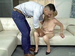 Having undressed mature whore Malya exposes large ass and gets screwed doggy