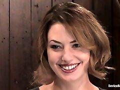 Sarah Shevon in Sarah Shevon Kinda looks like Jorja Fox from CSI don't you think? - DeviceBondage