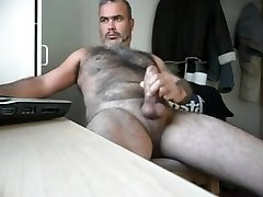 Bear cum for the webcam
